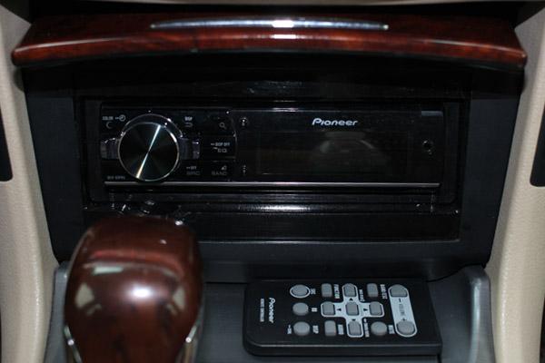 皇冠音响改装发烧音响系统 全车音响倒模尾箱工艺