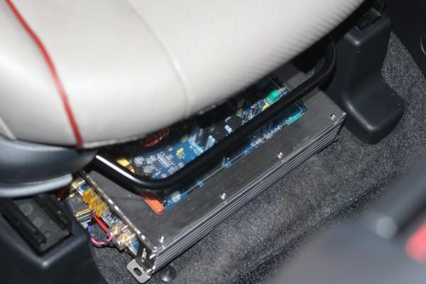 美国曼菲斯低音炮 战神IDSP音频处理器电脑调音高清图片