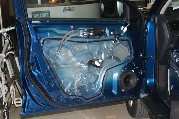 日产奇骏汽车音响改装进口丹拿242升级4.