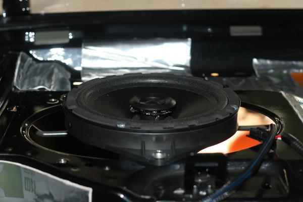 丰田凯美瑞汽车音响改装进口丹拿242升级4.1声道音响系统 .
